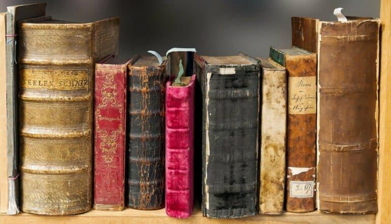 Pourquoi Dieu se serait-il révélé à travers un livre comme la Bible ?