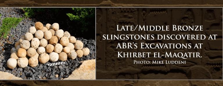 Des munitions (pierres de fronde) de l'âge de bronze